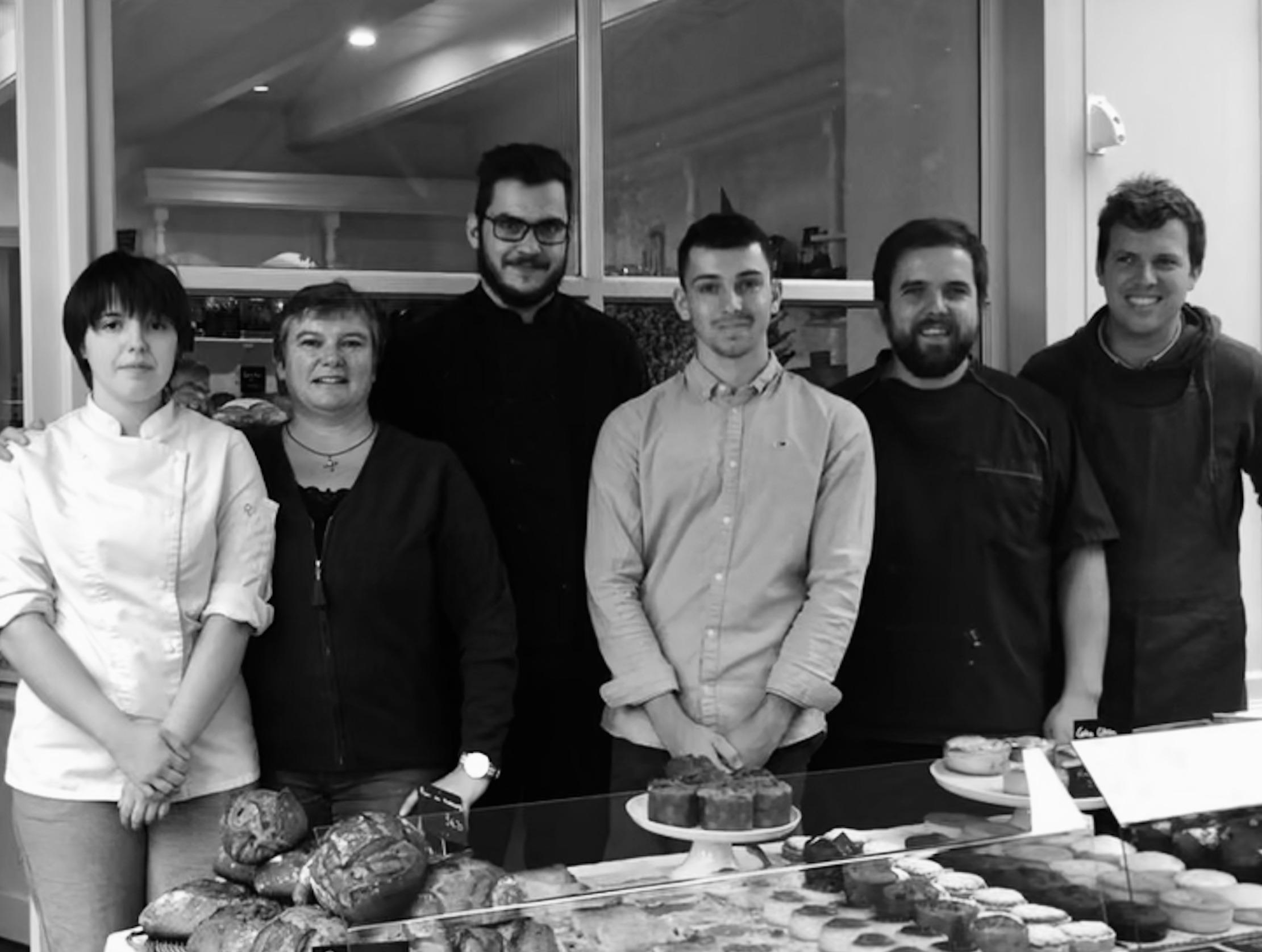 la belle équipe de la Briacine, la pâtisserie rose de Saint-Briac