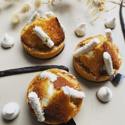 Compotée d'ananas et vanille sur un biscuit coco, par Marine à la Briacine